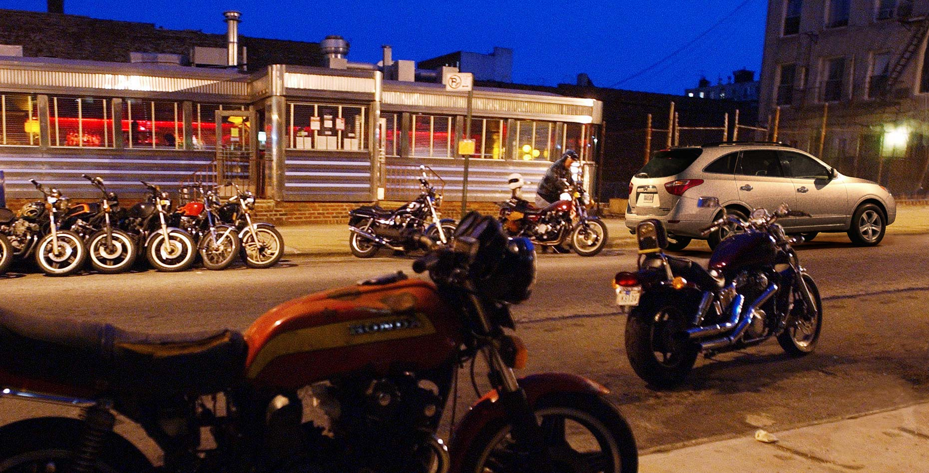 4-MotorCycleDiner_01b_Final